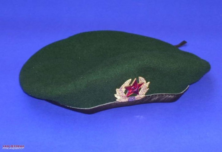 Beret green, Size S