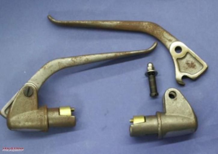 Inner cable levers made from cast iron, pair