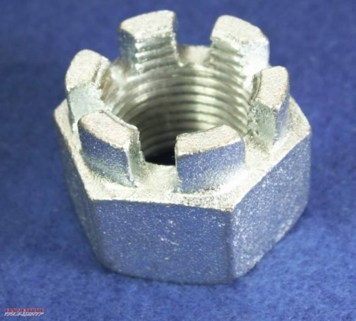 Castellated nut extra-high, 18 x 1.5 mm