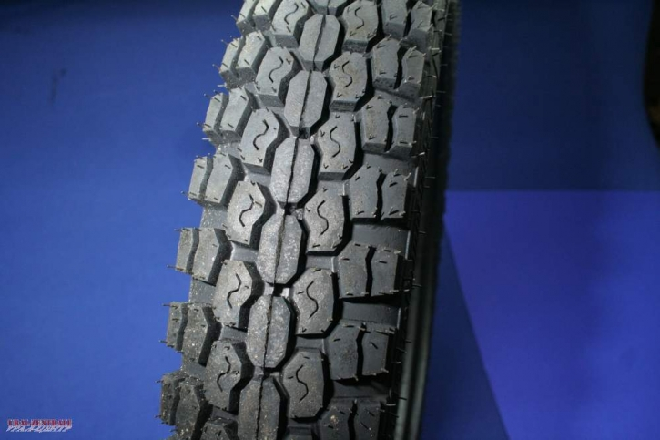 Tyre road 4.10 x 19  70L