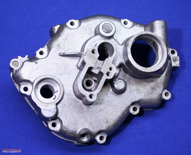 Gearbox cover for gearbox with electric starter
