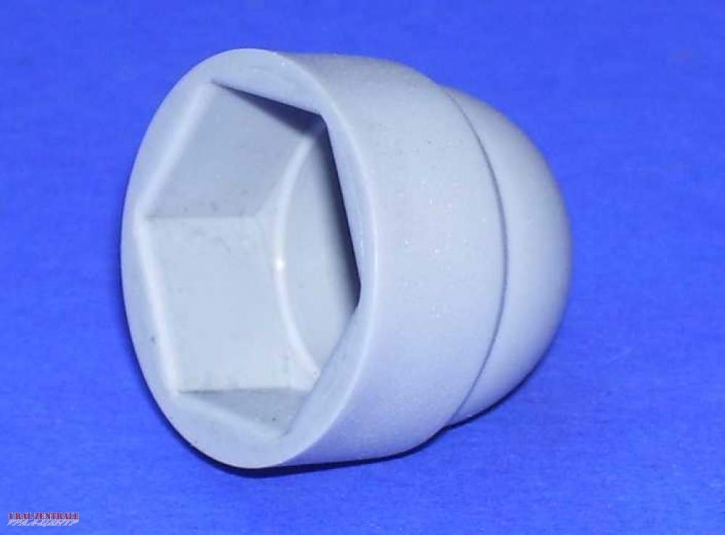 Protective cap for nuts / bolt heads