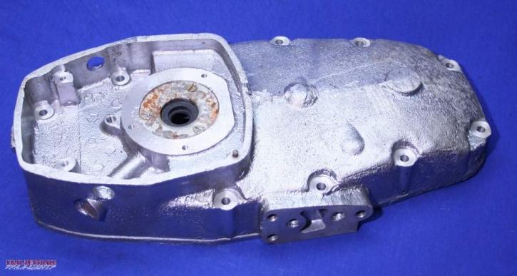 Motordeckel für Motoren mit Außen-Ölfilter