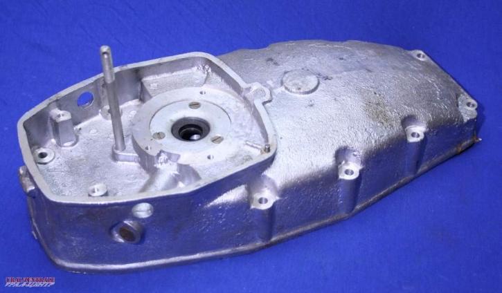 Motordeckel für Motoren mit Fliehkraft-Ölfilter