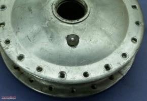 Wheel hub, original K750