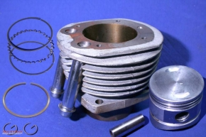 Cylinder set Ural 650 cc, complete with piston, rings, etc.