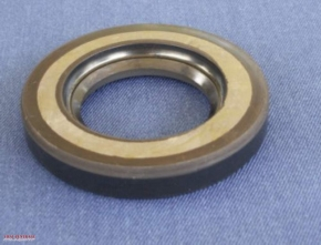 Gearbox sprocket oil seal