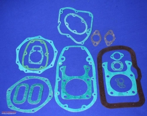 Paper gasket set for engine and gearbox