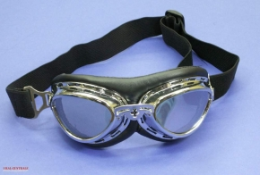 Aviator goggles with curved glasses