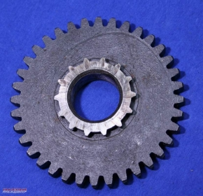 Pinion 1st gear output shaft
