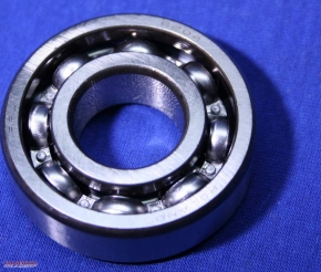Rear camshaft bearing 204