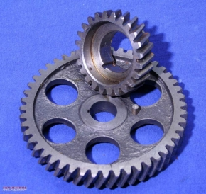 Timing gear set for engines with external oil filter